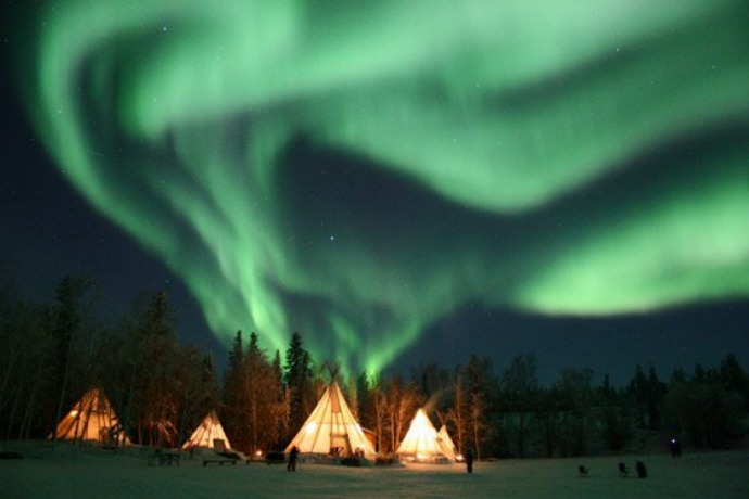 yellowknife-aurora-village