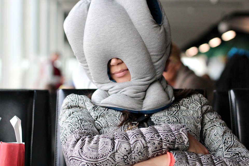 Ostrich pillow review travellab